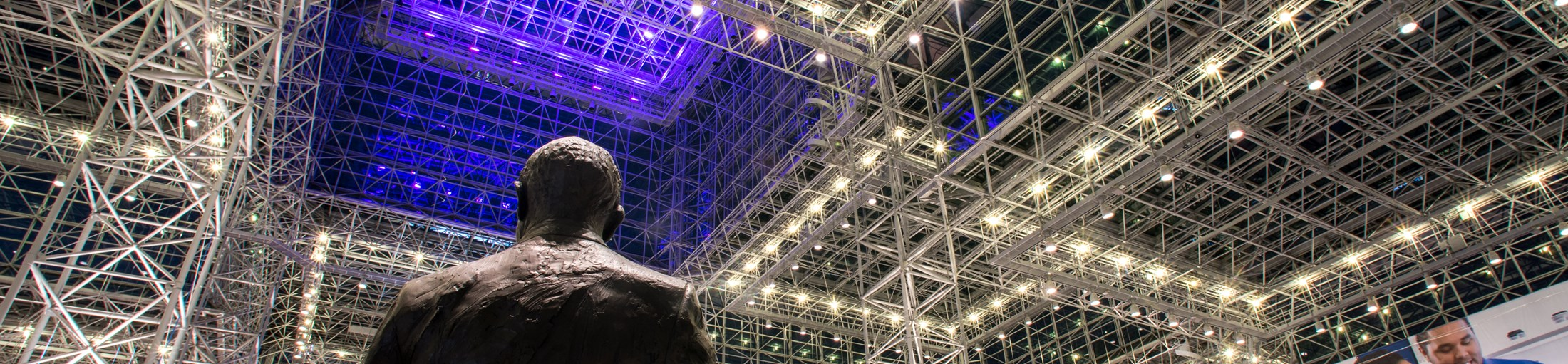 /media/113740/20171026_javits_lights_0005.jpg?crop=0.095759377093101131,0.343222565784737,0.15072421299397193,0.39453051784846915&cropmode=percentage&width=2200&height=511&rnd=131789738790000000